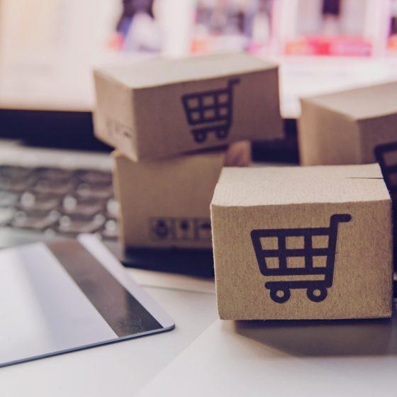 Advantages & disadvantages of online shopping